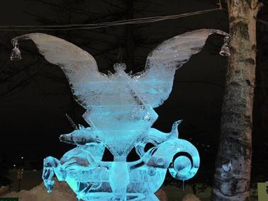 氷の彫刻C