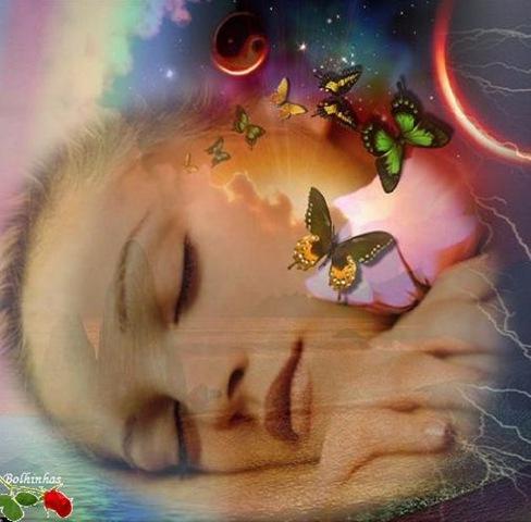 donna farfalle dorme